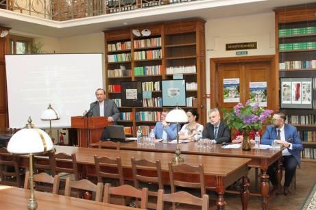 Головний читальний зал. Перший день конференції. Фото: Культурно-просвітницький відділ НБ ЛНУ