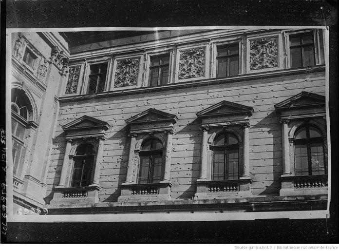 Фасад Університету у Львові, фото 1921 року