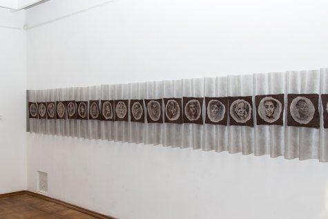 """Експозиція виставки Валентини Роєнко-Сімпсон (Каліфорнія, США) RECYCLED — """"Повторний цикл"""""""