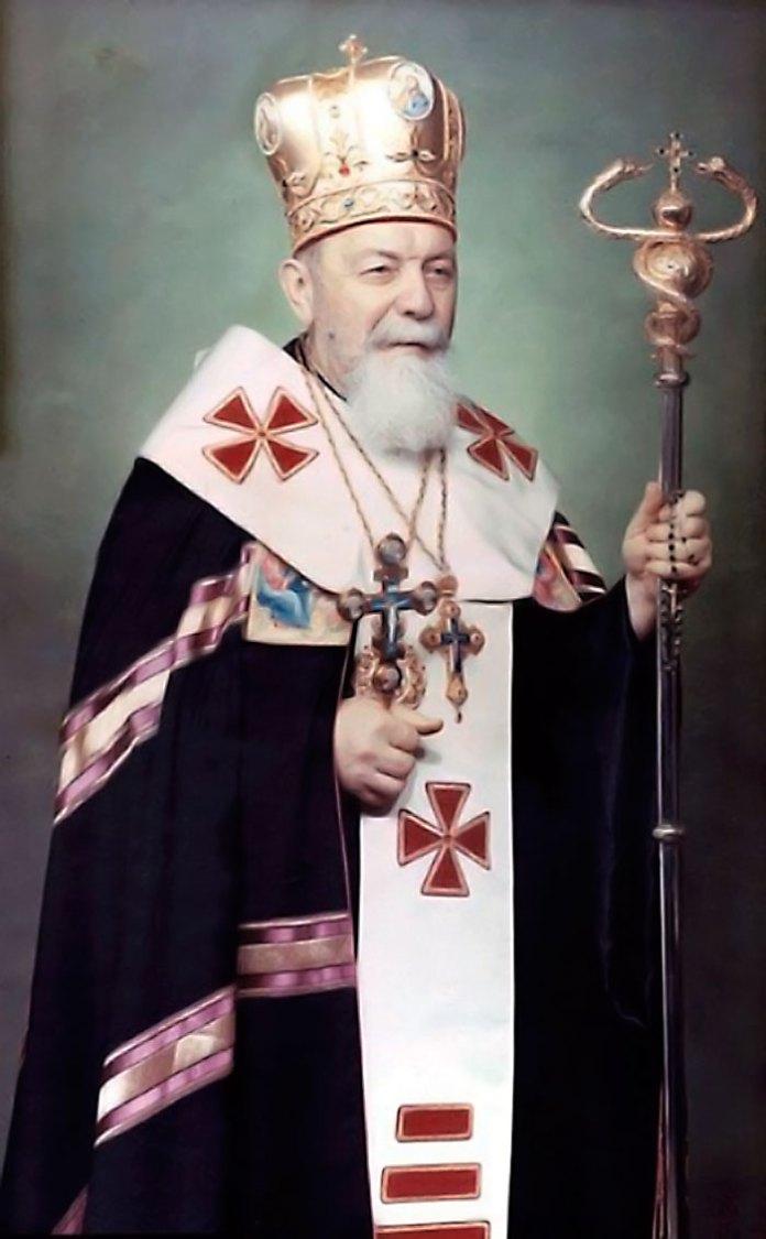 Владика Василь Величковський в архієрейському облаченні, 1970-ті рр.