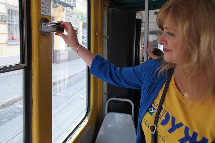 Діана Гайворонюк у Львівському трамваї