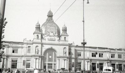 Головний залізничний вокзал Львова.Фото Анатолія Васильківського, 1956 р.