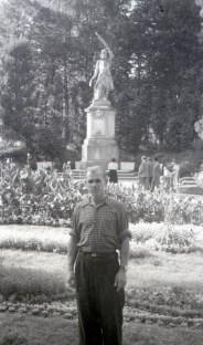 Пам'ятник Яну Кілінському в Стрийському парку .Фото Анатолія Васильківського, 1956 р.
