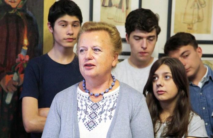 Доктор мистецтвознавства, професор Олена Никорак