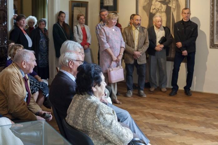 Кураторська екскурсія оновленою експозицією Художньо-меморіального музею Олекси Новаківського