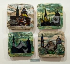 Експозиція виставки кераміки Василя Боднарчука «Силуети Львова»