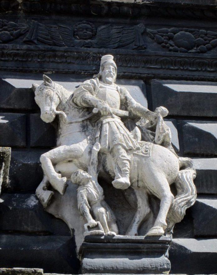 Св.Мартин на фасаді будинку пл.Ринок, 4. Фото Мар'яни Іванишин