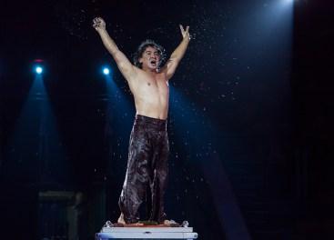 Золотий призер міжнародного фестивалю мистецтв в Кореї 2005, лауреат міжнародних конкурсів ілюзіоністів в Німеччині – Туйчи Хан