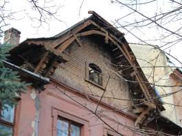 Давня вілла, збудована за проектом архітектора Івана Долинського у Львові