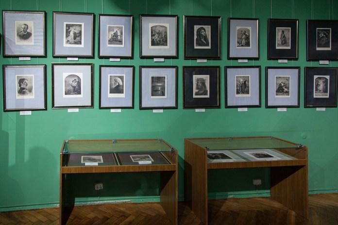 """Експозиція виставки """"Мистецький світ Артура Ґроттґера"""""""