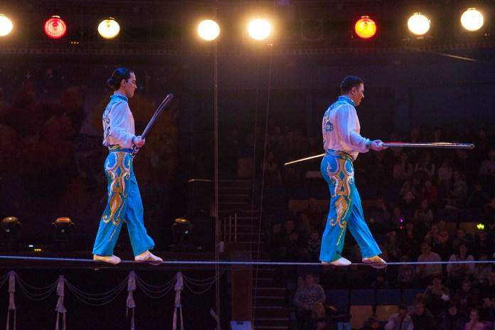 Канатоходці Бекзот та Джамшуд Ташкенбаєви (Узбекистан)