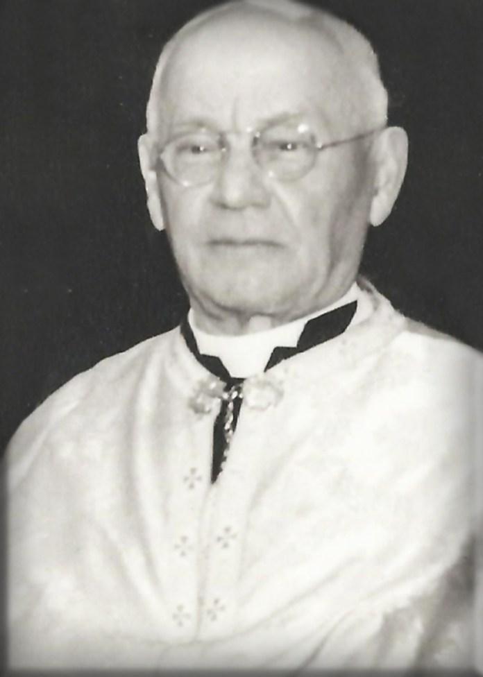 Отець Петро Понятишин