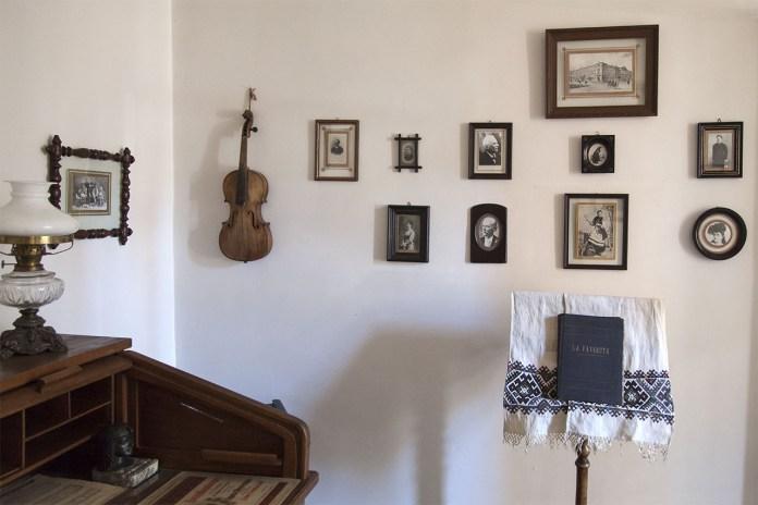 Фрагмент експозиції Музично-меморіального музею Соломії Крушельницької у Львові