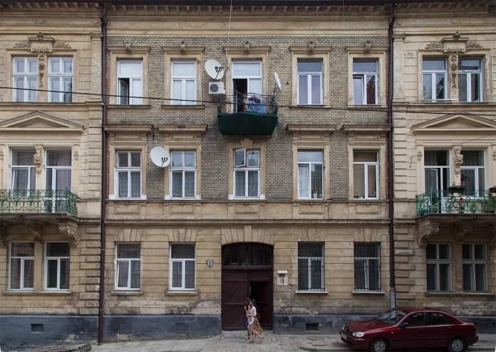 Будинок №10 у Львові по вулиці Глібова. Фото Романа Метельського