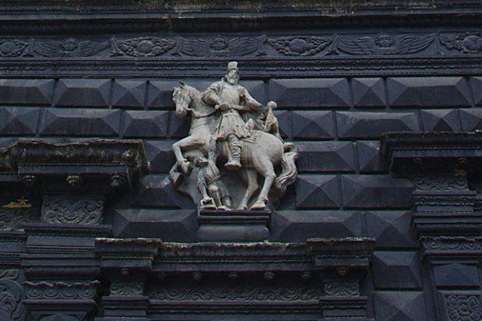 """Св. Мартин на """"чорній кам'яниці"""". Фото з https://zabytki.in.ua"""