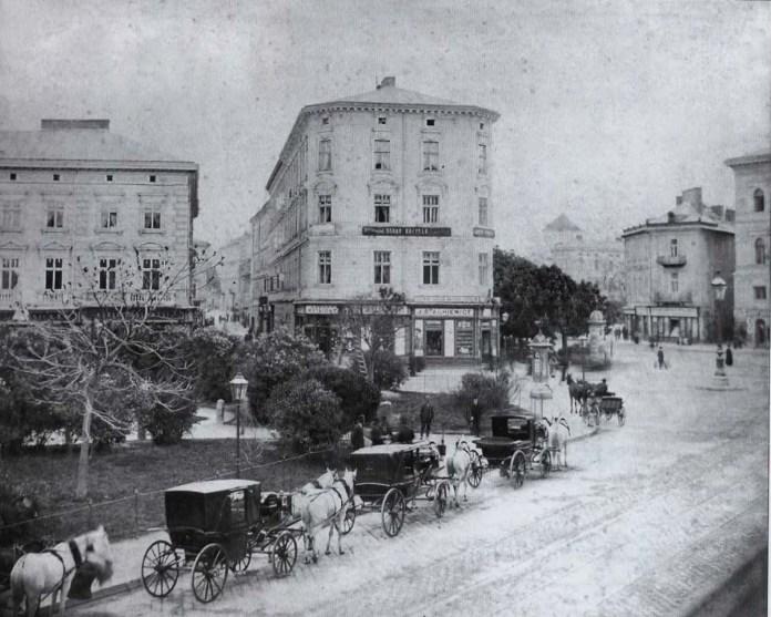 Фіакри на сучасному проспекті Шевченка. 1880-ті рр.