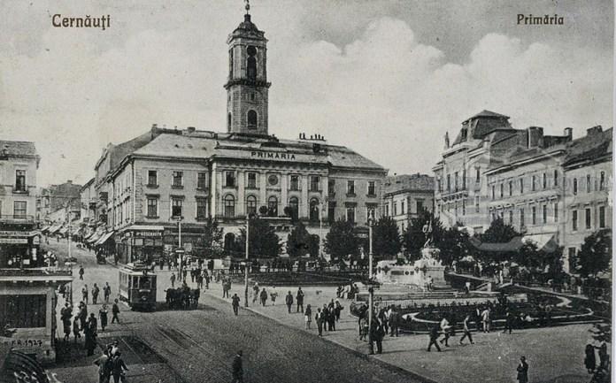 """Трамвай """"Graz"""" на Piata Unirii (нині - Центральна площа). Початок 1920-х років"""
