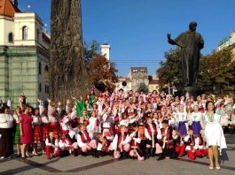 ІІІ Міжнародний молодіжний фестиваль «Фольклорний передзвін» завершився кала-концертом