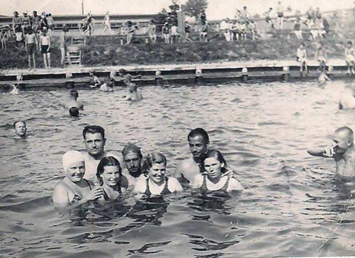 Рівненський відкритий басейн