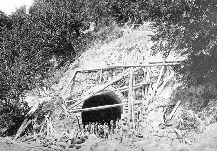 Будівництво тунеля в Карпатах. Кінець ХІХ ст.
