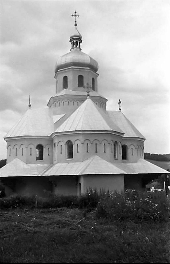 Церква св. Йосафата у с. Дев'ятники (фото з інтернет-сторінки http://www.pslava.info)