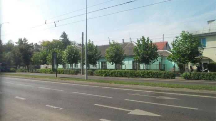 Будинок у Львові за адресою просп. Чорновола, 45, корпус 1