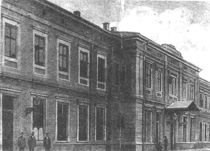 Вокзал Підзамче після реконструкції початку ХХ століття