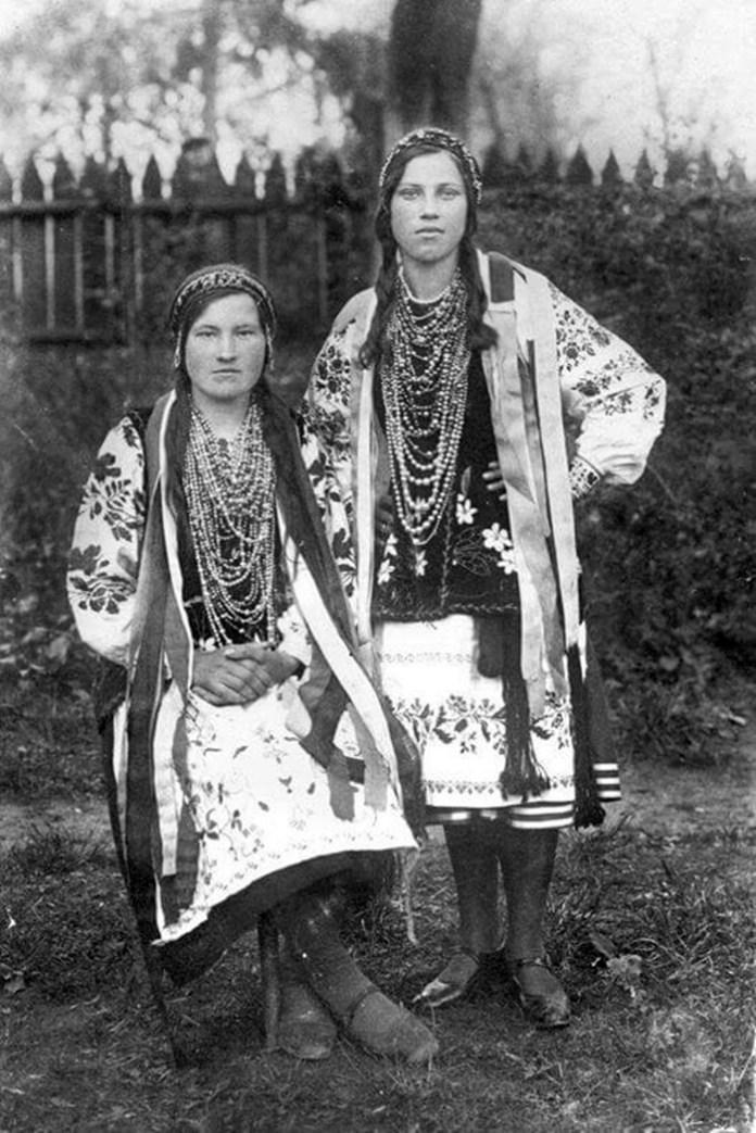 Святкове дівоче вбрання, Березнівщина, 1920-і рр.