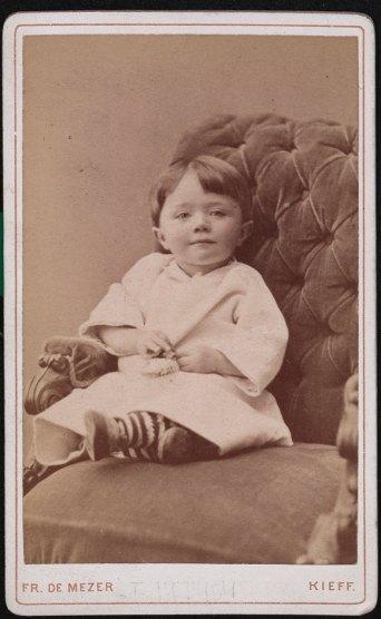 Портрет дівчинки. Фотограф Франц де Мезер