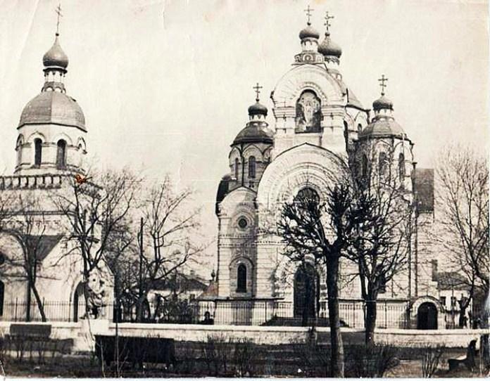 Мурована дзвіниця, знесена на початку 1960-х радянською владою