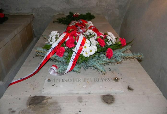 Могила Александра Фредро в крипті костелу Успіння Пречистої Діви Марії в Рудках. Фото Романа Метельського