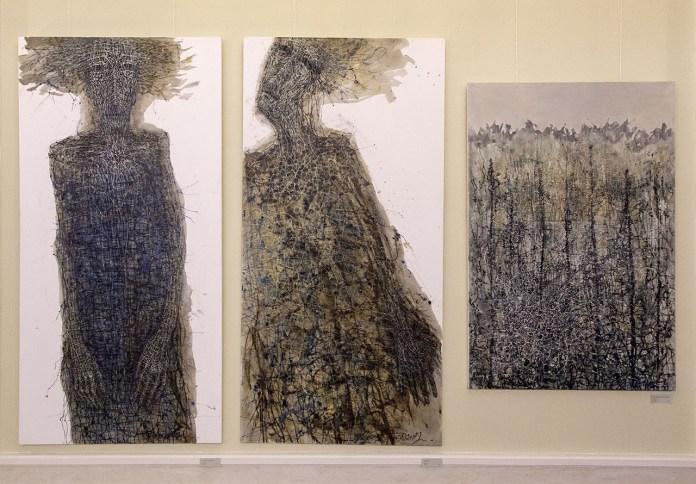 Експозиція виставки живопису Людмили Давиденко