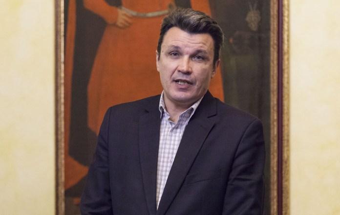 Начальник відділу департаменту з питань культури, національностей та релігій Василь Гладкий