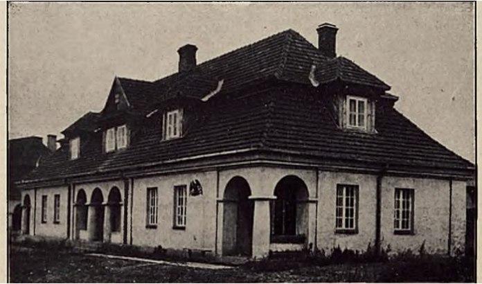 Будинок на дві родини. Фото міжвоєнного періоду