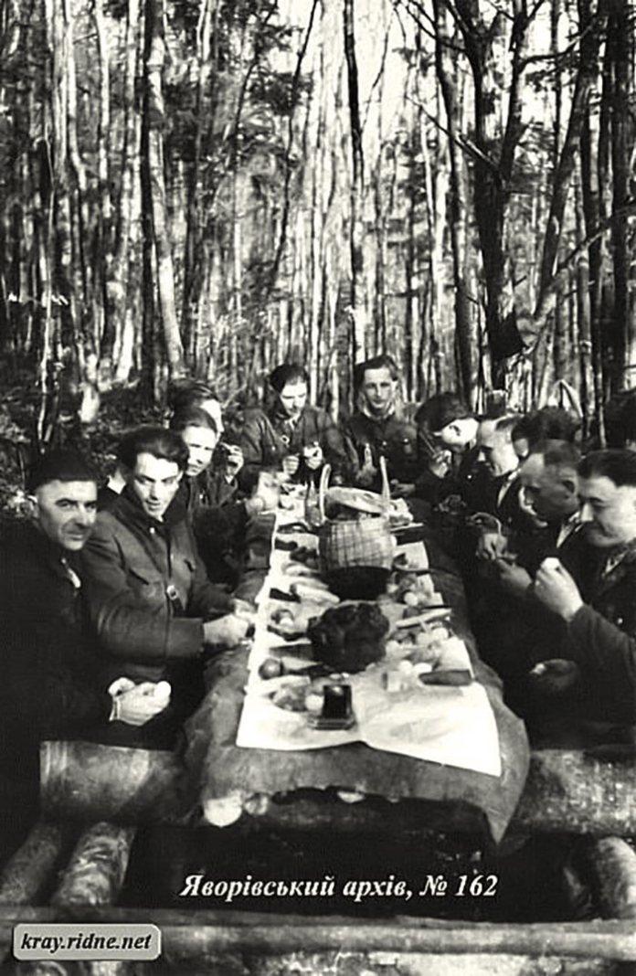 Святкування Великодня в УПА 1950 рік , Карпати