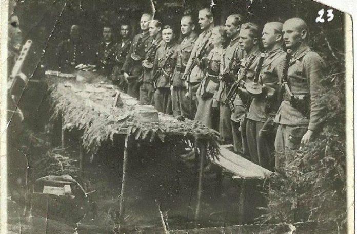Святкування Великодня в УПА 1946 рік , Карпати