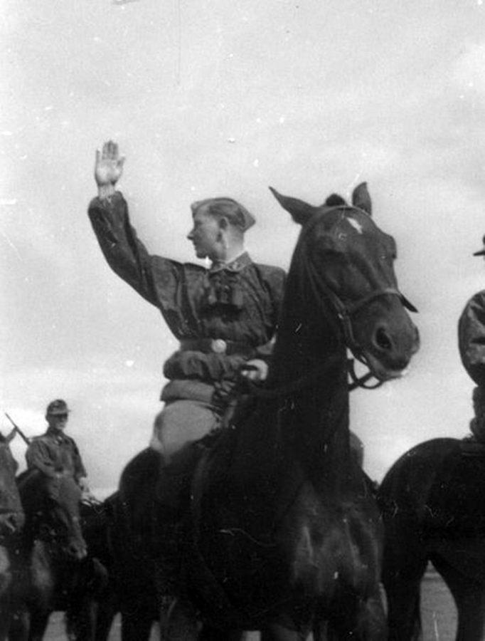 """""""Кавалерія – вперед!"""" – командир кавалерійського взводу під час антипартизанського рейду"""