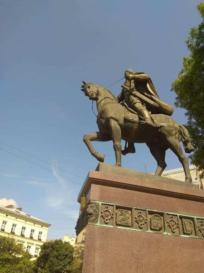 Пам'ятник королю Данилу Галицькому. Фото Івана Радковця