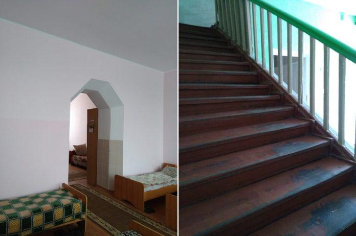 Всередині палацу збереглися арки-входи між кімнатами і сходи на другий поверх
