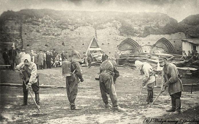 Протигазові навчання в замку Любарта, травень 1932