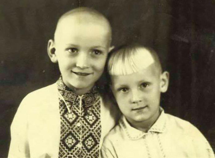 Володимир Талашко з братом у дитинстві, http://stuki-druki.com
