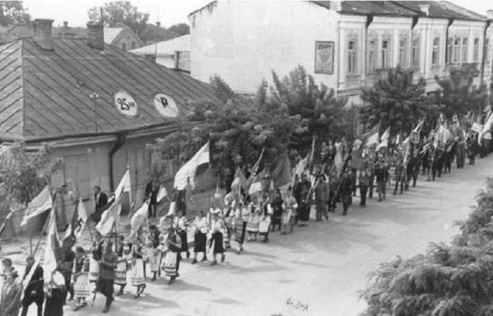 Рівне, Гітлерштрассе, 27 липня, 1941 р.
