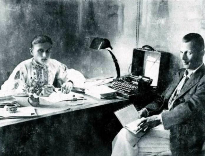 Юрій Горліс-Горський (ліворуч), Львів, 1930-і рр. Фото з http://gazeta.ua