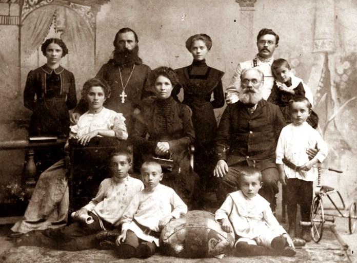 Родина Толстих і Молчановських