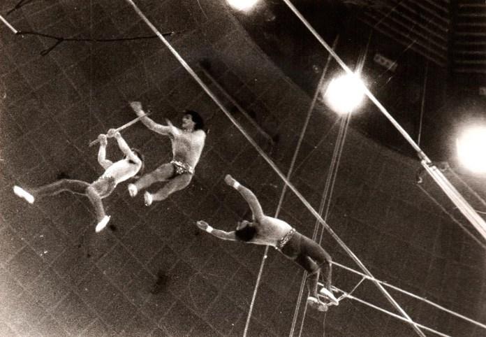 Повітряні гімнасти - арт. Ганія