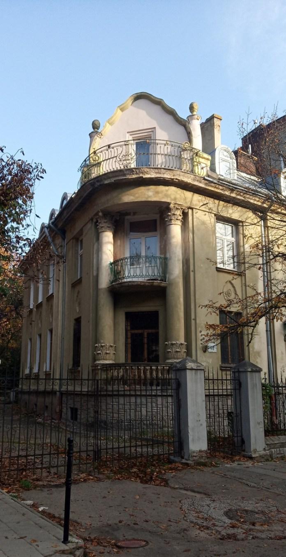 Будинок №16, вул.Паркова. Фото Мар'яни Іванишин.