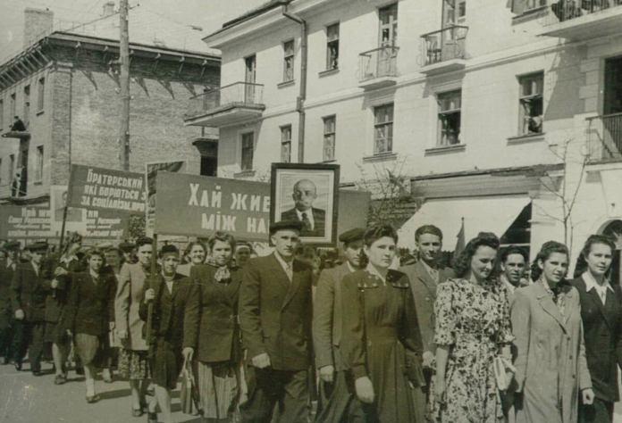 Першотравневий парад, 1947 рік