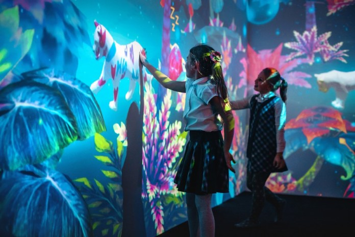 Експозиція інтерактивної виставки Future LIVE