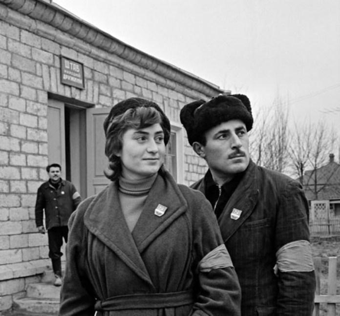 Комсомольські дружинники готові вирушити на чергування до храмів