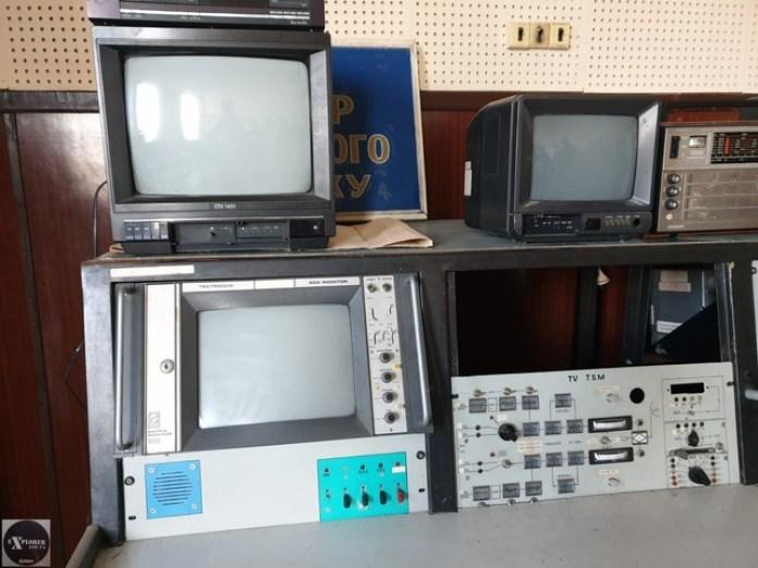 Музей телетехніки що тут лишилася. Молодці що не викидають. Схожу техніку ми бачили на Високому замку.
